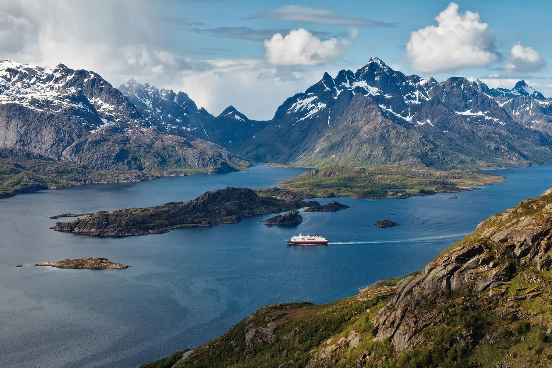 Il postale dei fiordi norvegesi